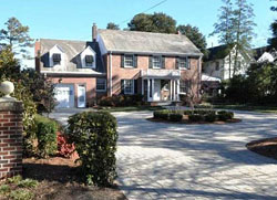 Colonial in Larchmont, Norfolk